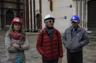 terremoto_manifestazione_piazza_a_visso-FF-18-325x216