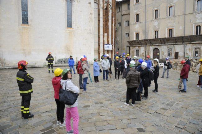 terremoto_manifestazione_piazza_a_visso-FF-19-650x432