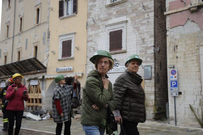 terremoto_manifestazione_piazza_a_visso-FF-6-1-650x432