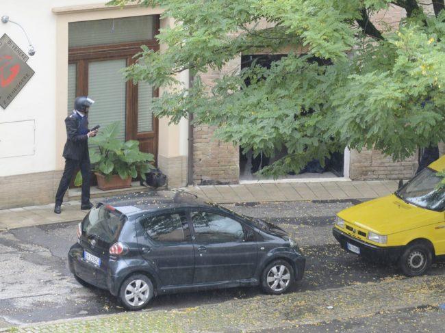 tolentino-barricato-in-casa12-650x487