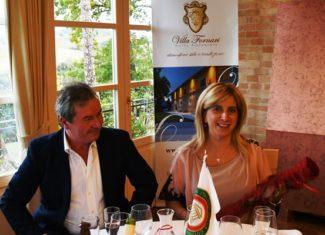 Il-titolare-della-Pasta-di-Camerino-Gaetano-Maccari-con-la-signora-Mara-Mogliani