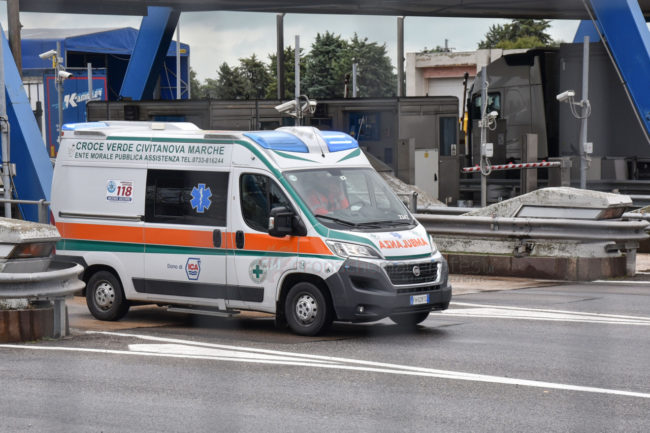 auto-conto-bus-autostrada-a14-civitanova-FDM-6-650x433