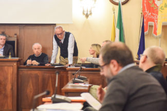 consigli-comunale-civitanova-FDM-1-325x217