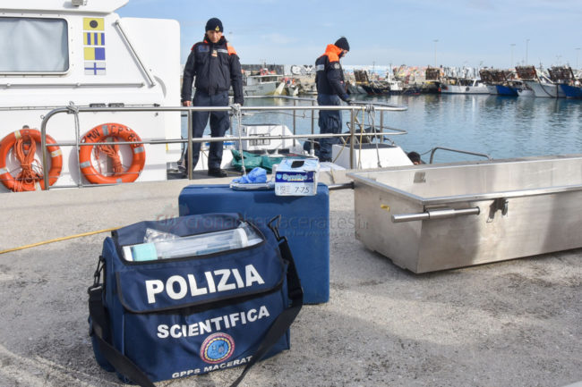 recupero-corpo-donna-area-portuale-civitanova-FDM-12-650x433