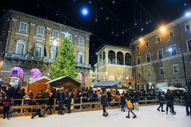 Natale2019_PistaGhiaccio_FF-2-650x433