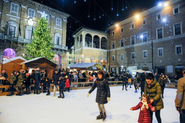 Natale2019_PistaGhiaccio_FF-3-650x433