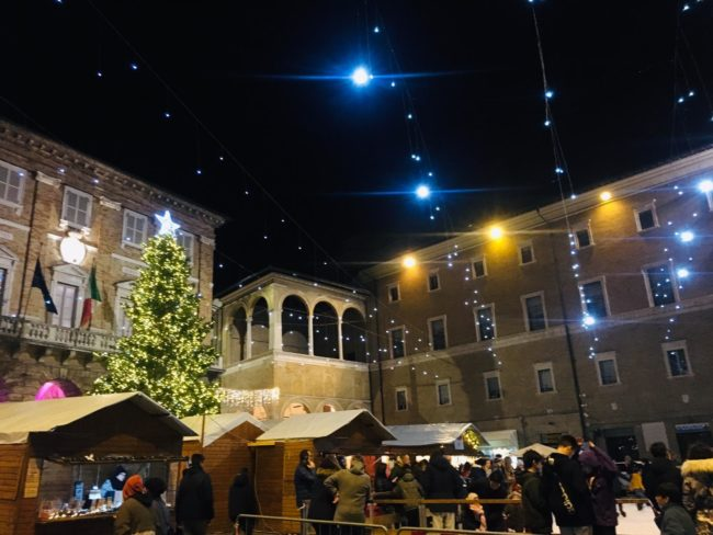 Piazza-Natale-2019-650x488