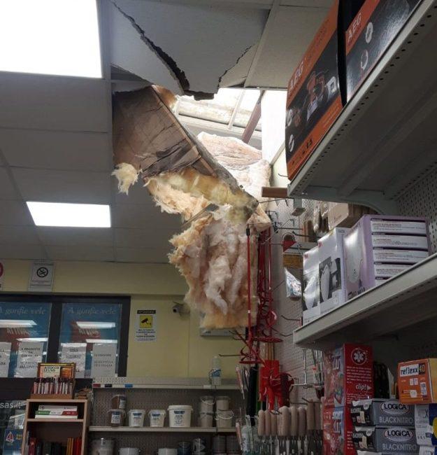 furto-civitanova-tetto-sfondato