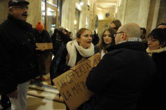 meloni-macerata-protesta6-325x216