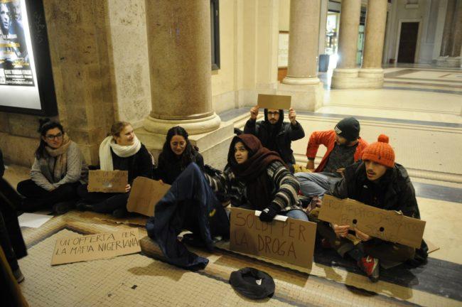 meloni-macerata-proteste3-650x432