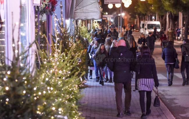 shopping-natale-2019-in-centro-civitanova-FDM-10-650x411