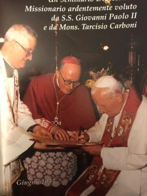 papa-Woytila-monsignor_tarcisio_carboni_redemptoris-mater-1-300x400