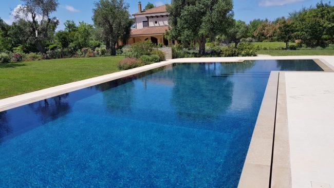 piscina-sfioro-fessura-1-650x366