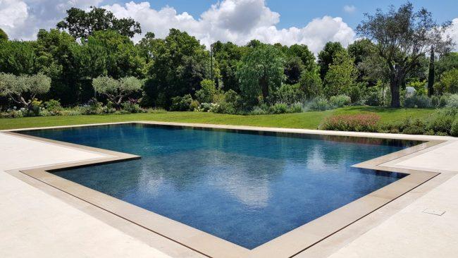 piscina-sfioro-fessura-2-650x366