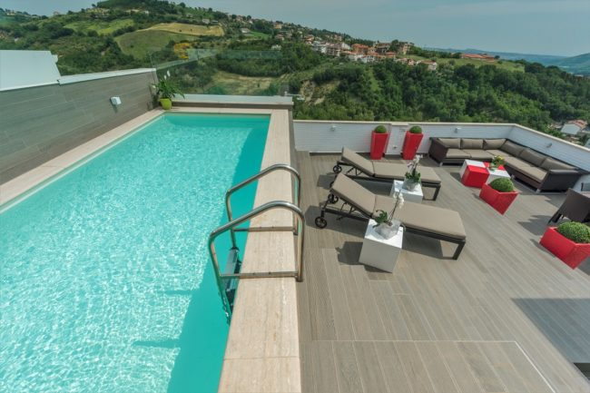 piscina-terrazzo-1-650x433