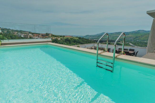 piscina-terrazzo-2-650x433