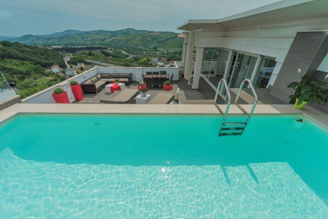 piscina-terrazzo-3-650x433
