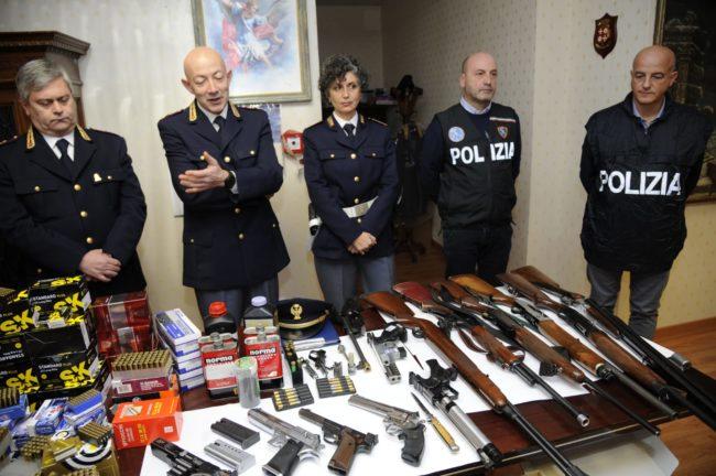 polizia-armi2-650x432