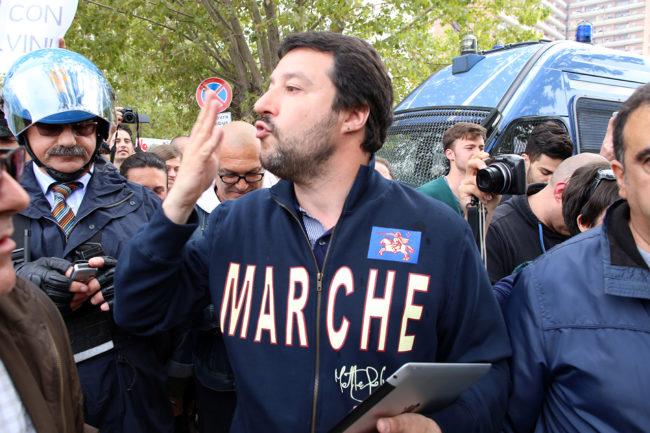 Matteo-Salvini-Hotel-HOuse-Porto-Recanati-_Foto-LB-4-650x433