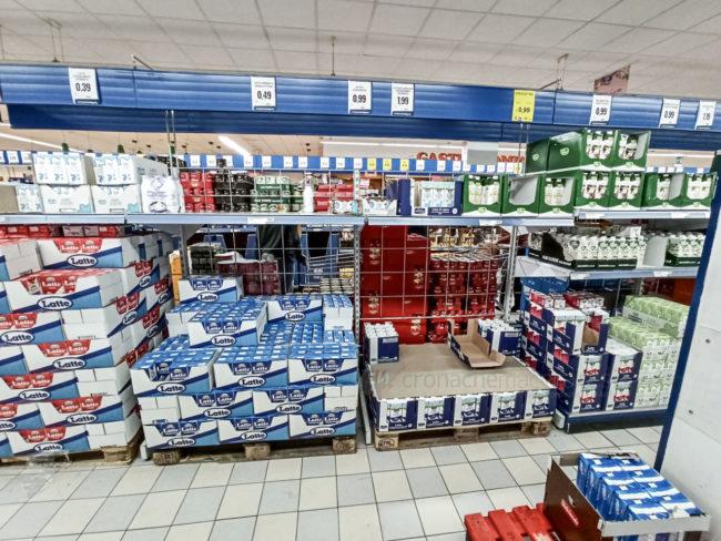 assalto-supermercati-coronavirus-civitanova-1-650x488
