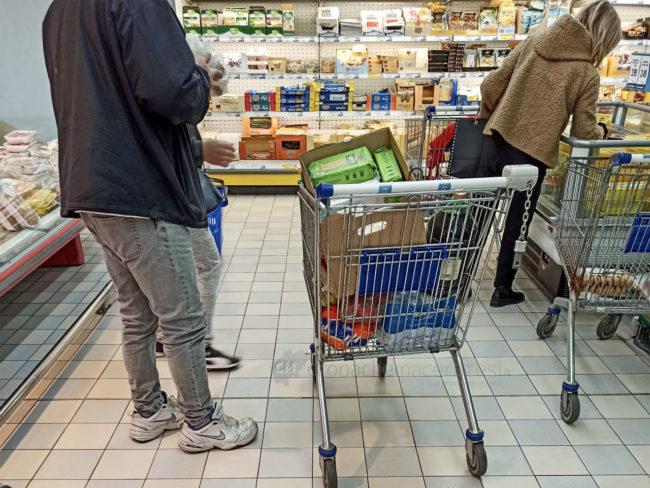 assalto-supermercati-coronavirus-civitanova-4-650x488