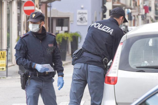 controlli-polizia-commissariato-civitanova-coronavirus-FDM-3-650x433