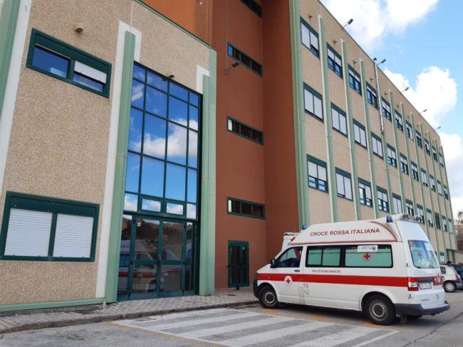 coronavirus-ospedale-camerino2-650x488