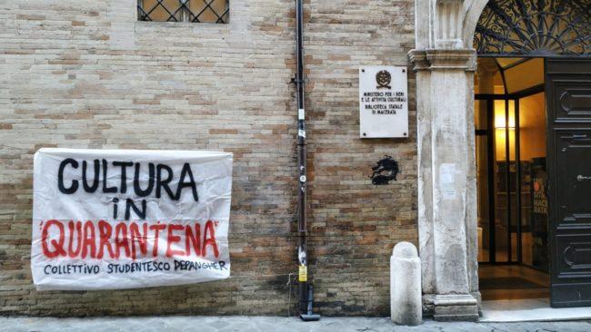 coronavirus_protesta_collettivo_depangher_macerata_striscioni-4-650x366