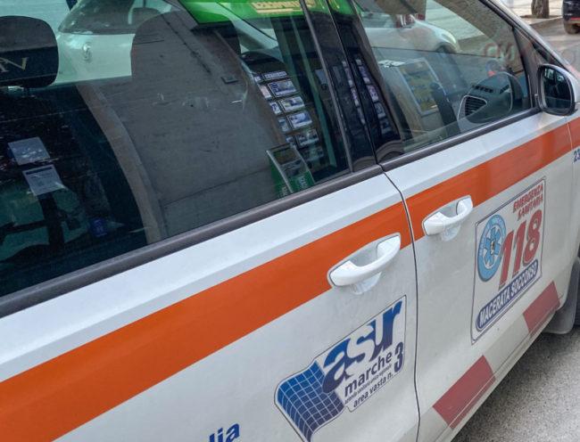 intervento-ambulanza-croce-verde-118-vialetto-sud-civitanova-FDM-3-e1598874327957-650x496