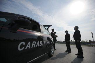 controlli-carabinieri2-325x216