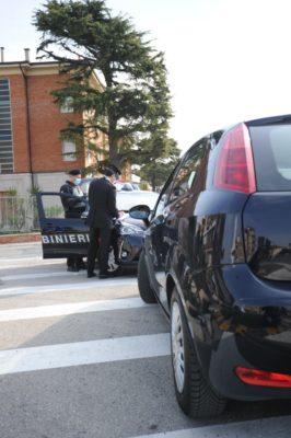 controlli-carabinieri4-266x400