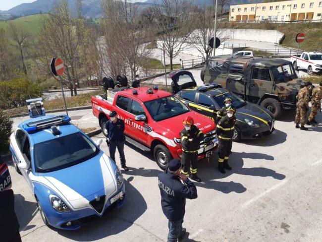 omaggio-pasqua-ospedale-Camerino-16-650x488