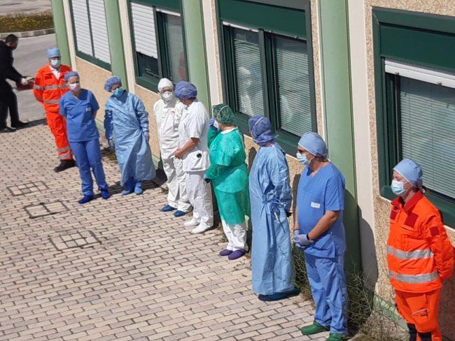 omaggio-pasqua-ospedale-Camerino-2-650x488