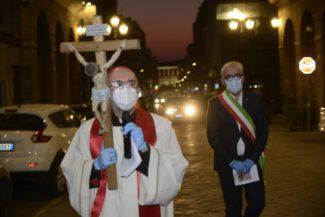 processione-pasqua-covid-1-325x217