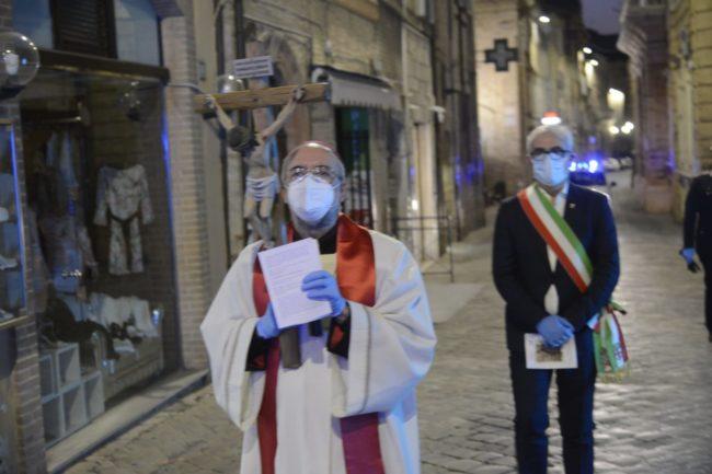 processione-pasqua-covid-4-650x433