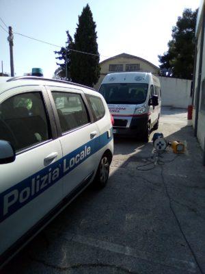 pulizia-buldorini-auto-forze-dellordine-5-300x400