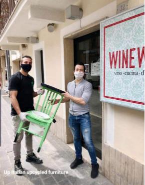 nello-russo-sedia-porta-disinfettante-3