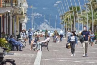 passeggio-lungomare-porto-recanati-FDM-4-325x217
