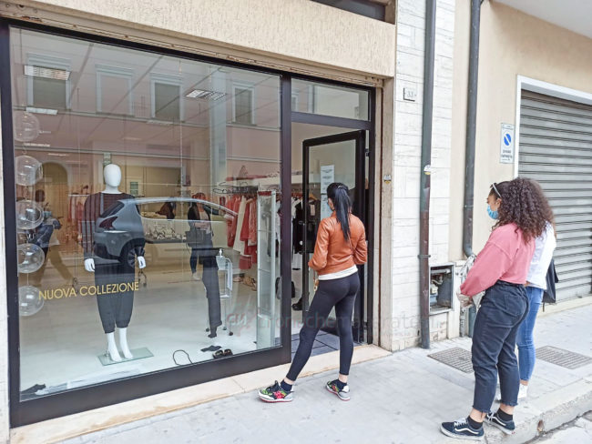 shopping-civitanova-2-650x488