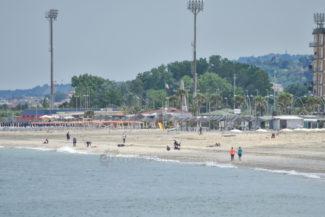 spiaggia-lungomare-sud-civitanova-FDM-2-325x217