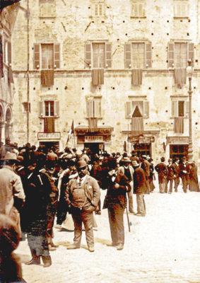 1895-900-Piazza-Umberto-I-283x400