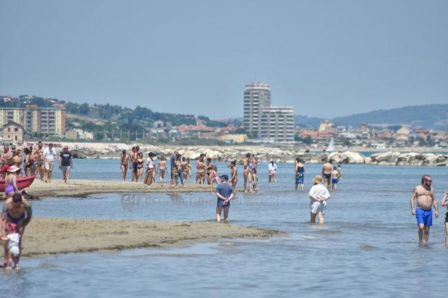 2-giugno-spiaggia-e-lungomare-nord-estate-civitanova-FDM-5-650x433