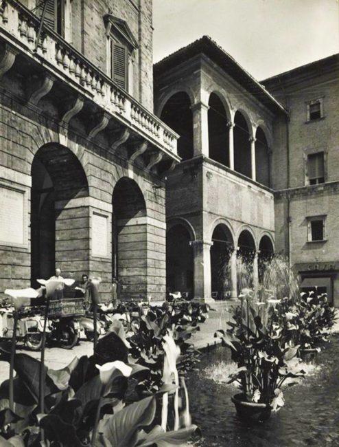 SCORCIO-DELLA-FONTANA-DI-PIAZZA-primi-anni-50-494x650
