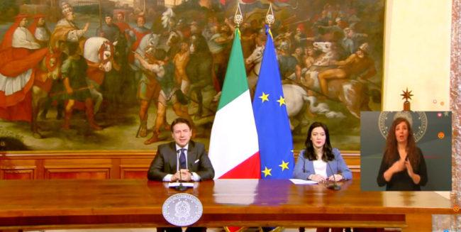 conferenza-stampa-conte-azzolina