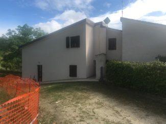 edificio-pieve-torina-2-325x244