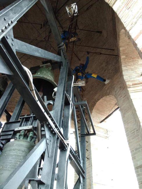 edilizia_acrobatica_piazza_libertà-1-488x650