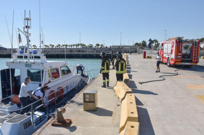 esercitaizone-area-portuale-guardia-costiere-vdf-soccorsi-croce-verde-porto-civitanova-FDM-4-650x433