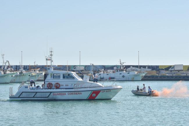 esercitaizone-area-portuale-guardia-costiere-vdf-soccorsi-croce-verde-porto-civitanova-FDM-5-650x433