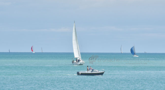 estate-bagnanti-al-mere-spiaggia-lungomare-civitanova-FDM-10-650x353