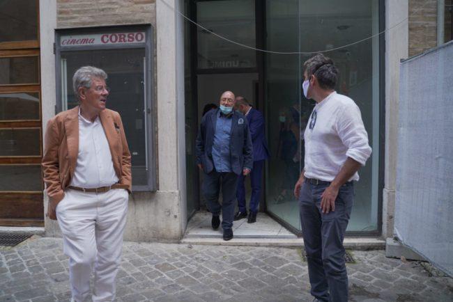 fOscar-Ferretti-Cinema-Corso-Andrea-Petinari-2020-06-25-at-16.50.57-650x434